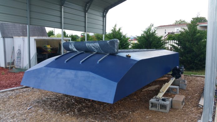 Woody - Houseboat hull