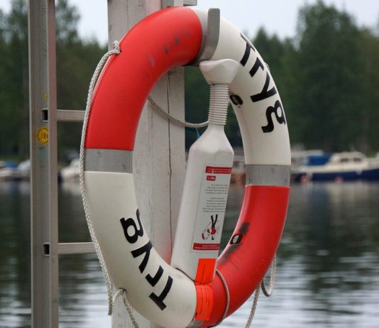 backyard boatbuilders first aid